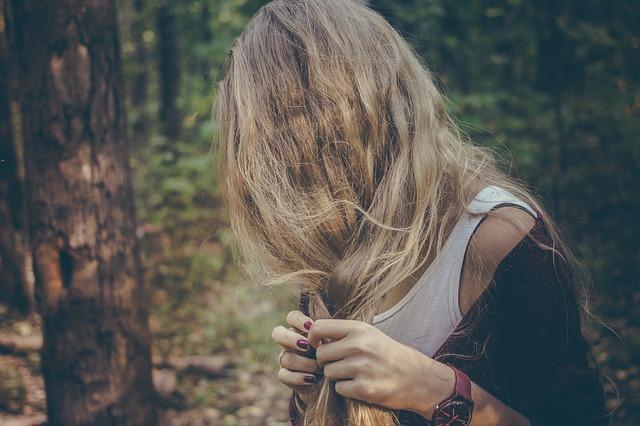 Porównanie sposobów na leczenie włosów
